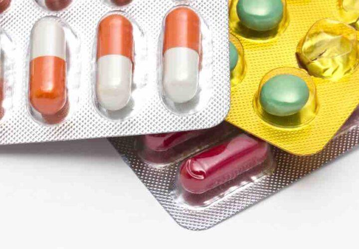 Anticholinergic drugs increase dementia risk