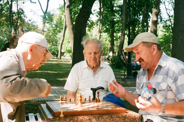 oldest-old seniors, 90 years old and up, who prevent dementia symptoms, keep their memory, maintain cognitive ability