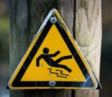 preventing fall injury from sudden falls for people with alzheimer's and dementia